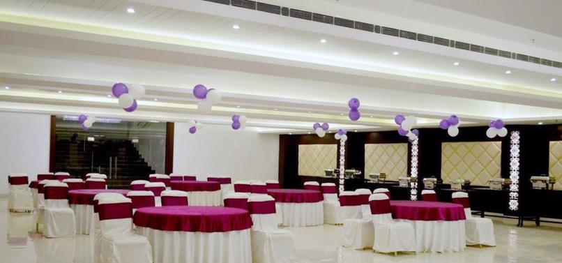 15 Banquet.jpg