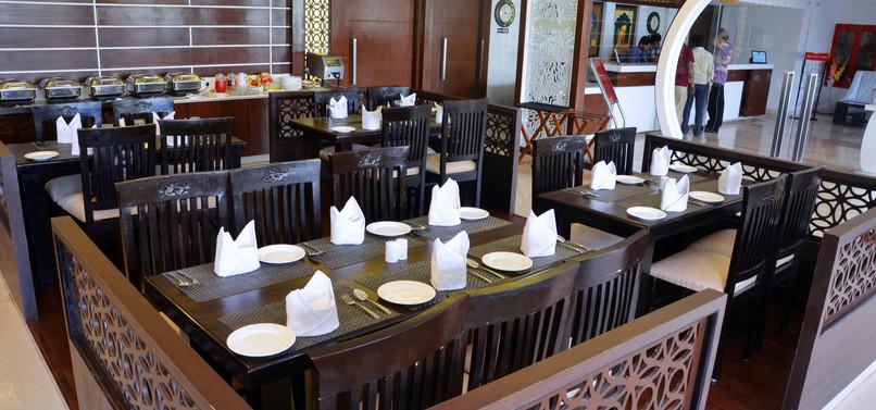 12 Restaurant.jpg