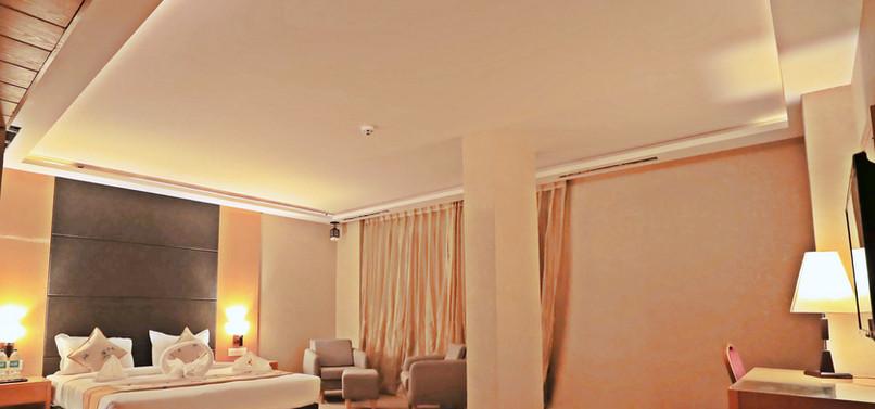 Suite room2.jpg