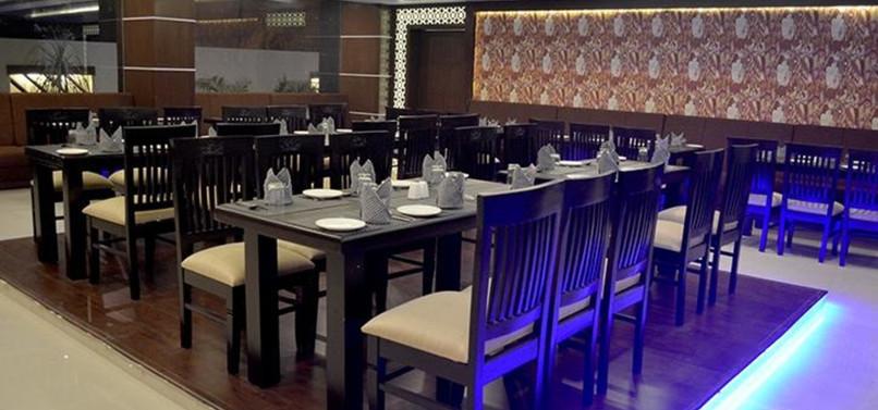 14 Restaurant.jpg