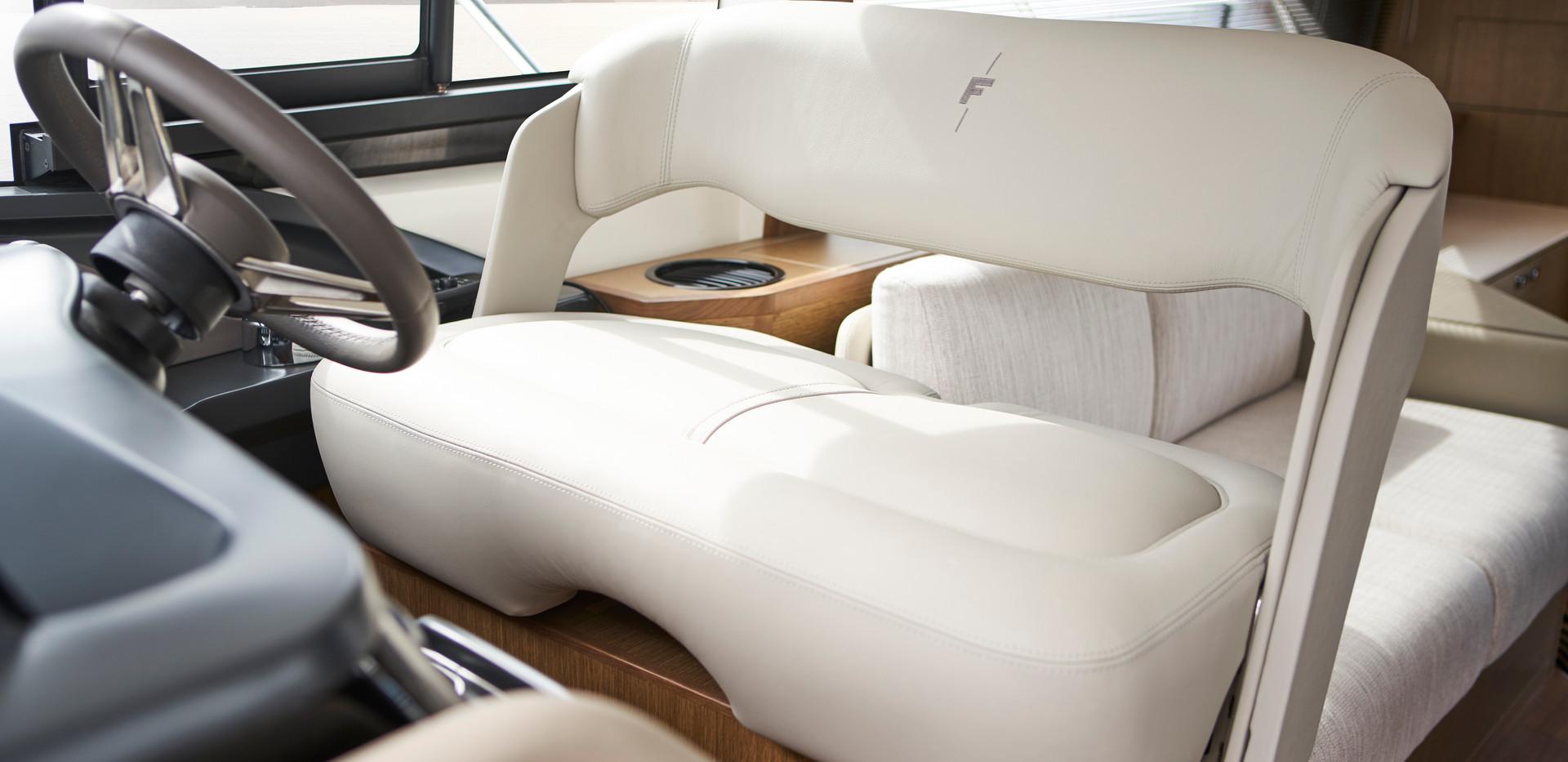 f45-interior-helm-seat-rovere-oak-satin.