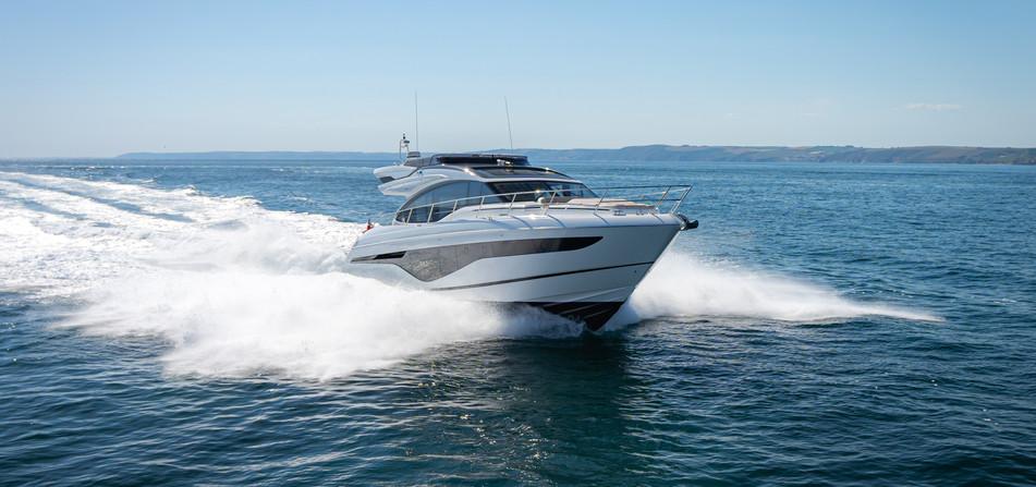 s62-exterior-white-hull-12.jpg