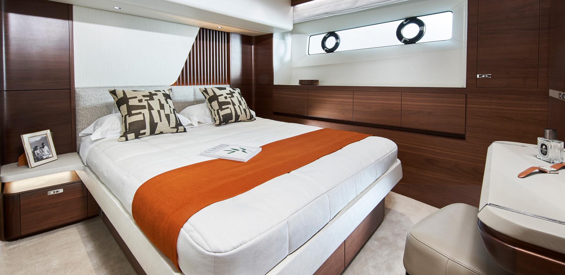 y85-interior-port-guest-cabin-walnut-sat