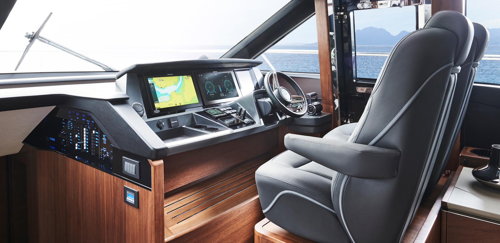 s66-interior-helm-walnut-satin.jpg