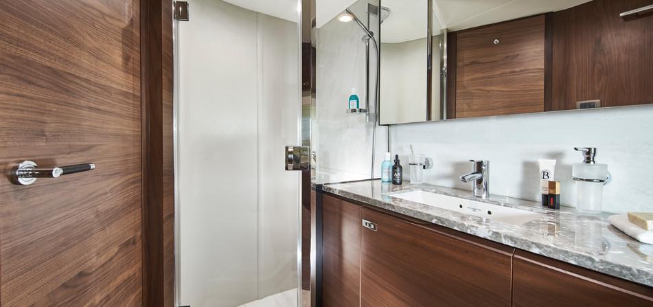 y85-interior-forward-bathroom-walnut-sat