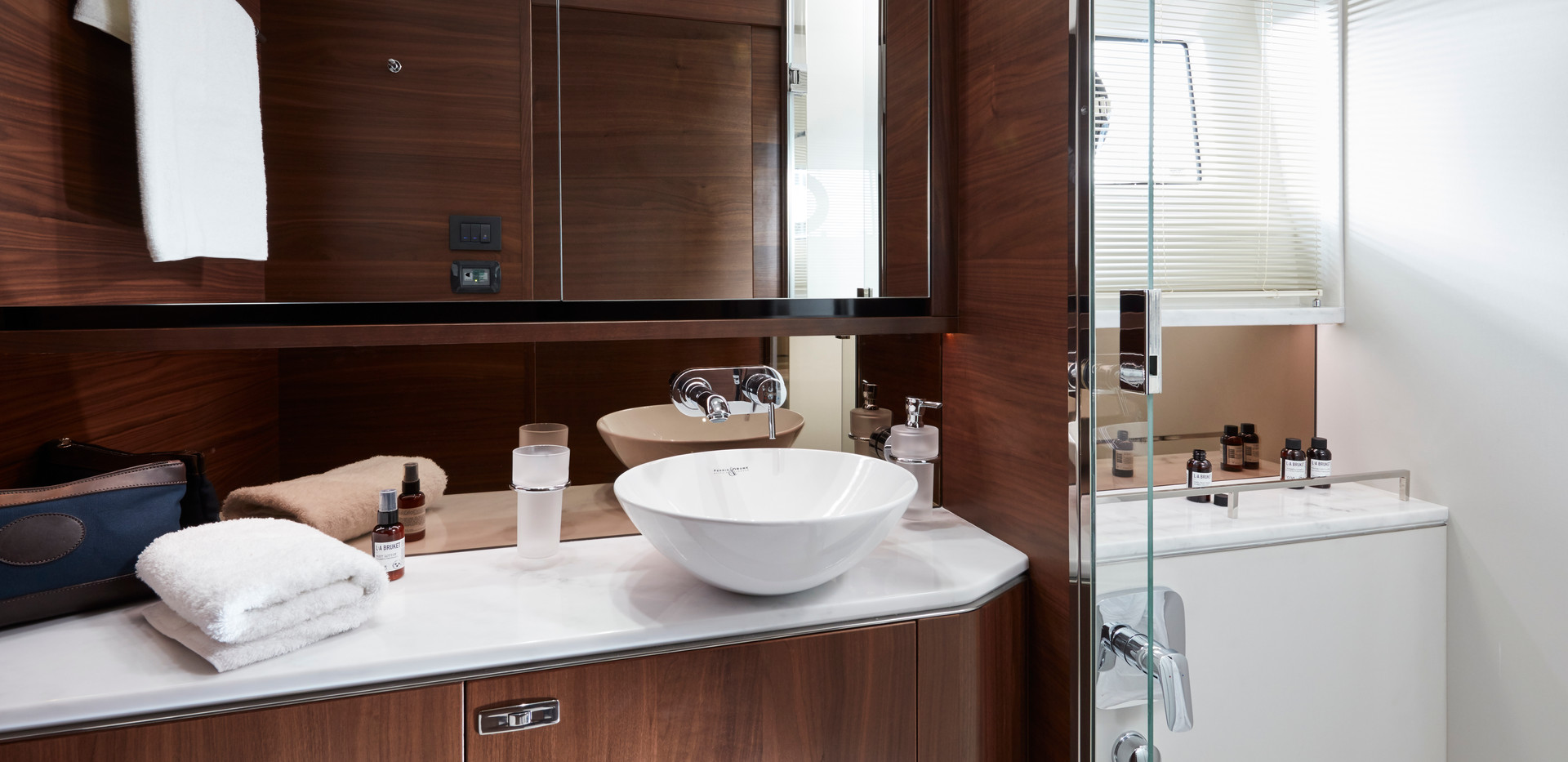 62-interior-owners-bathroom-american-wal