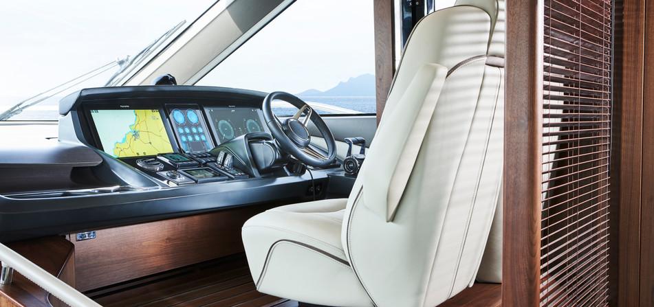 y78-interior-helm-1-walnut-satin.jpg