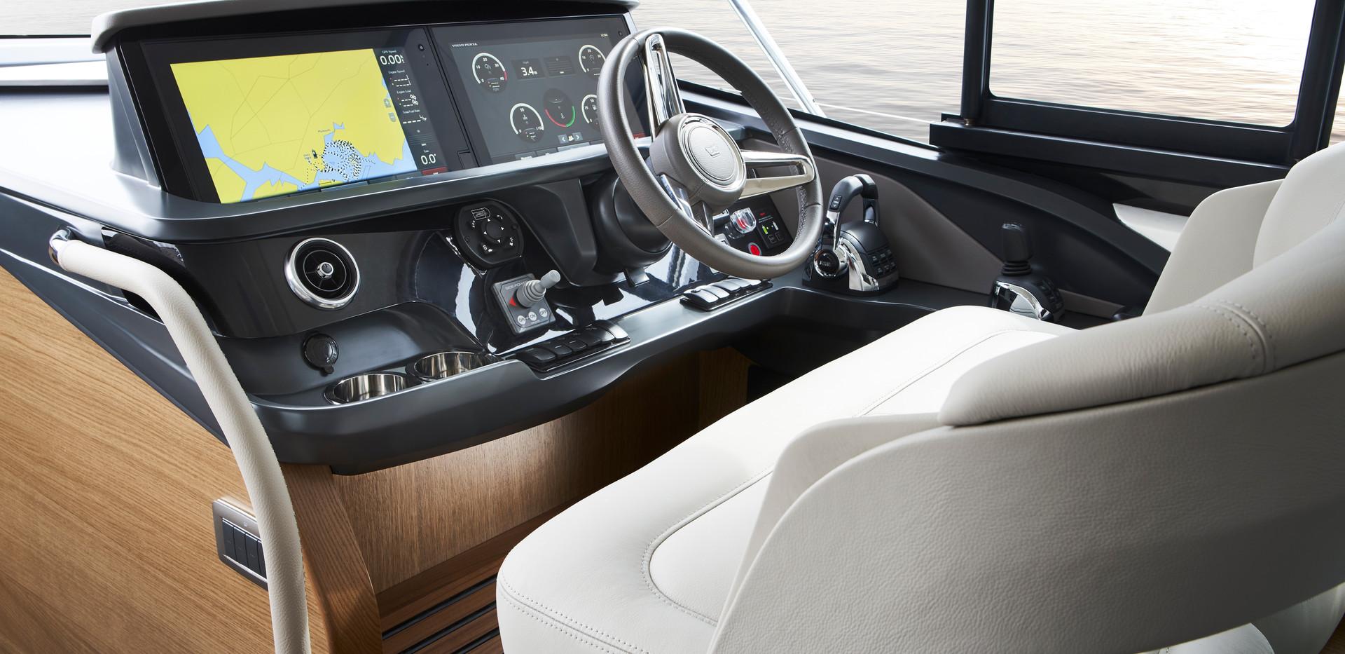 f45-interior-helm-rovere-oak-satin.jpg