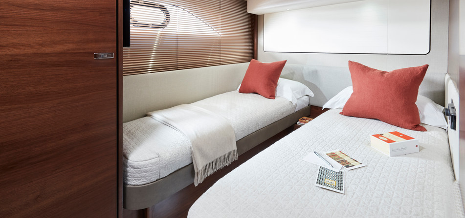 62-interior-starboard-cabin-walnut-satin