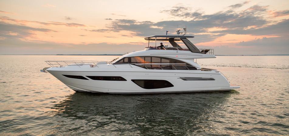 f70-exterior-white-hull-20.jpg