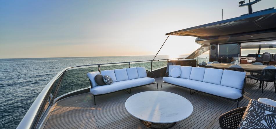x95-slot-2-interior-sun-deck-3.jpg