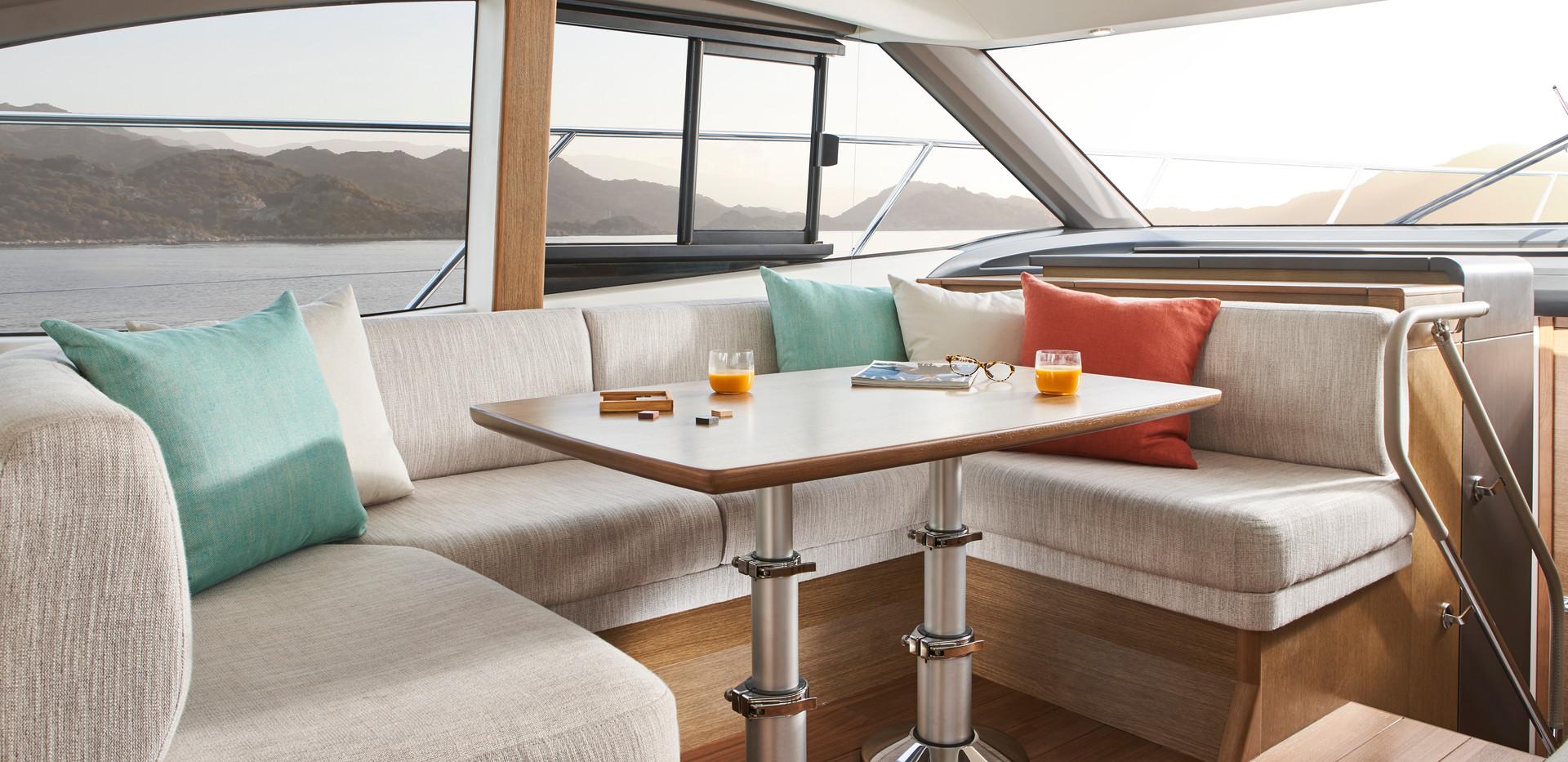 f45-interior-saloon-seating-rovere-oak-s