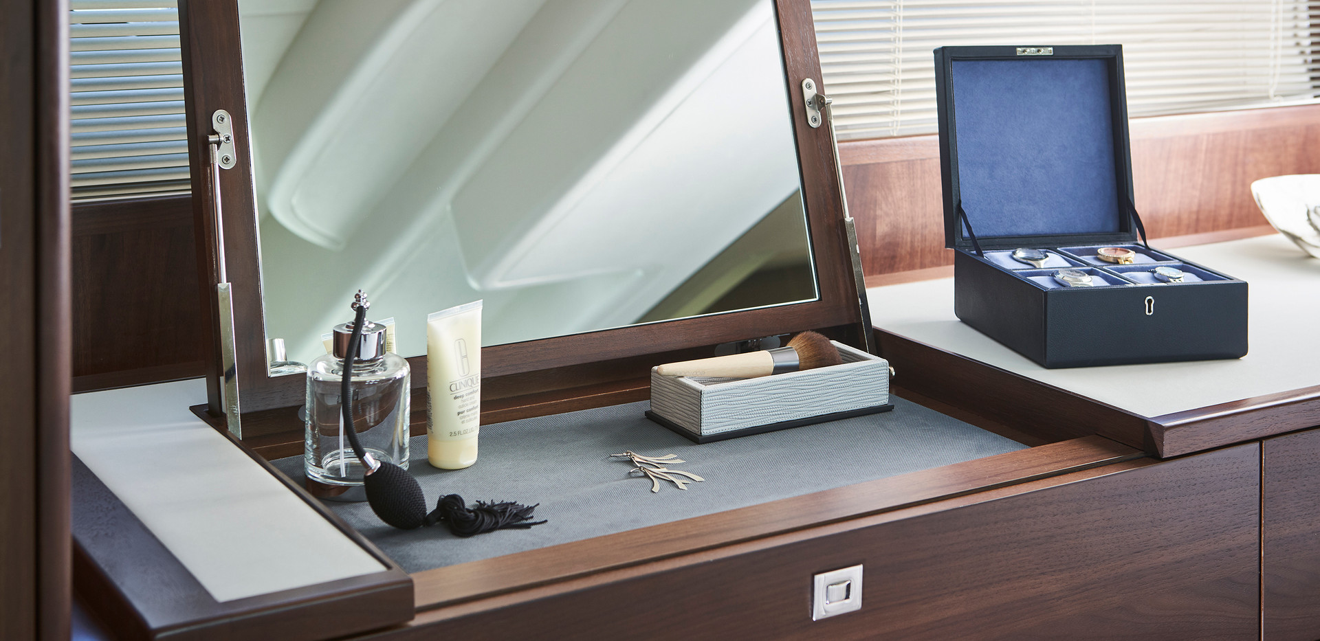 f50-interior-owners-dressing-table-walnu