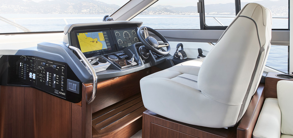 f50-interior-helm-walnut-satin.jpg