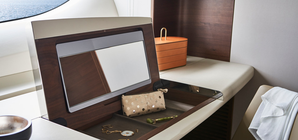 y85-interior-owners-dressing-table-detai