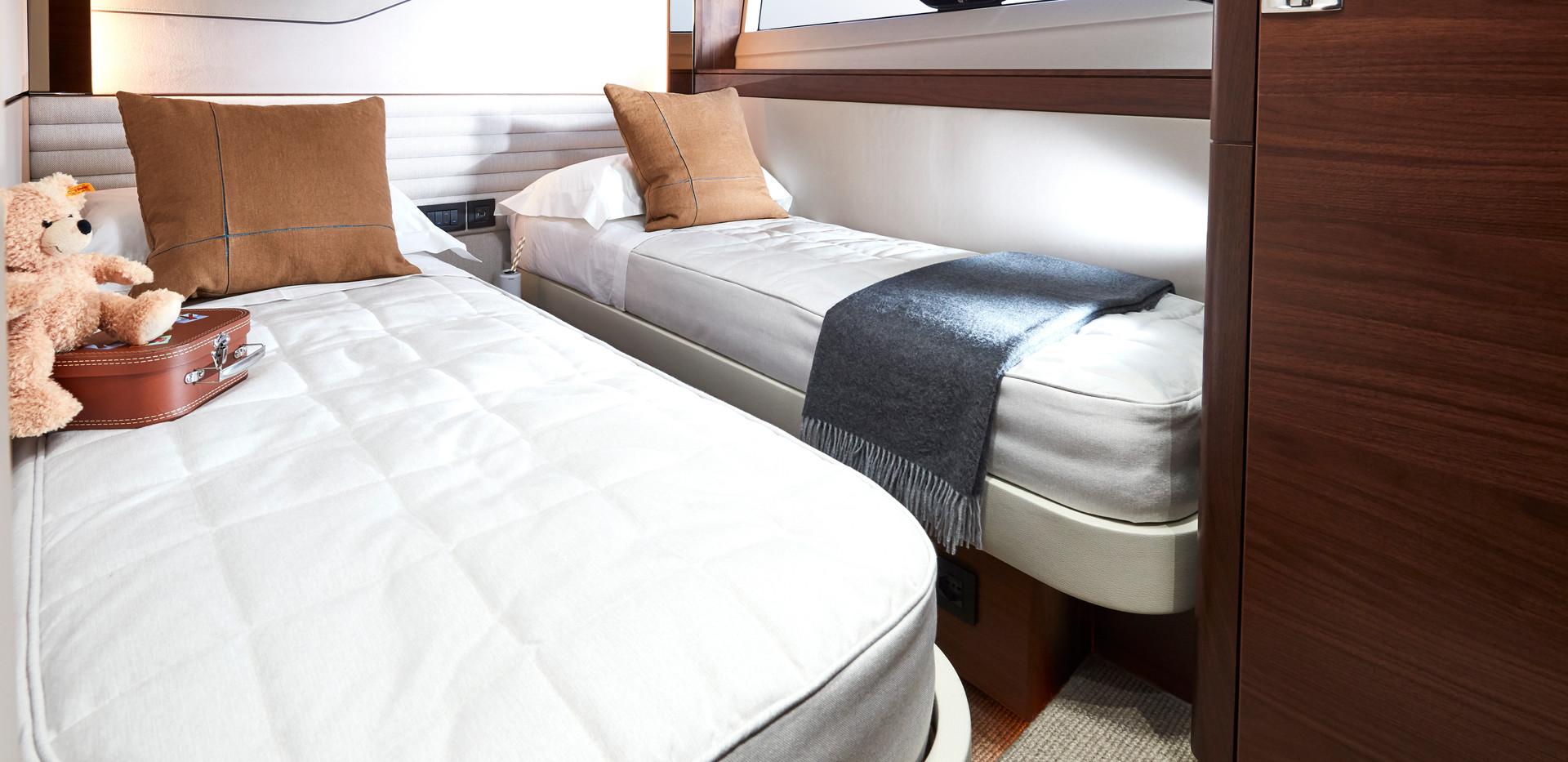 s78-interior-port-cabin-blinds-open.jpg