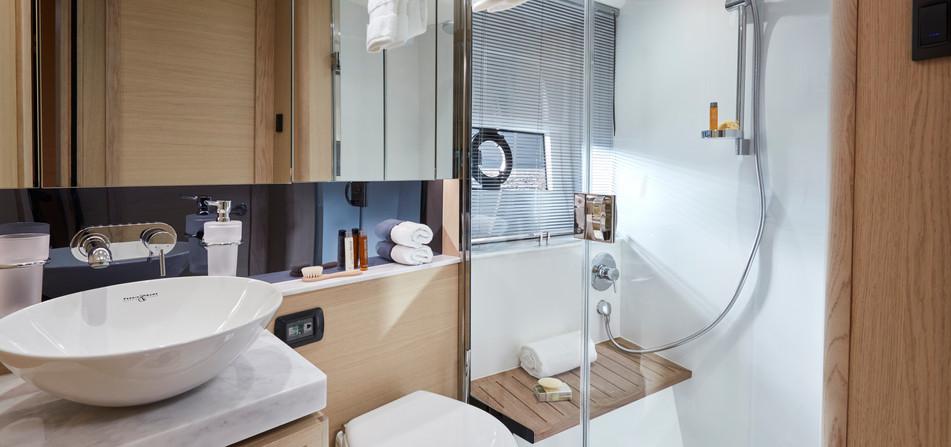 v40-interior-bathroom-alba-oak-satin.jpg