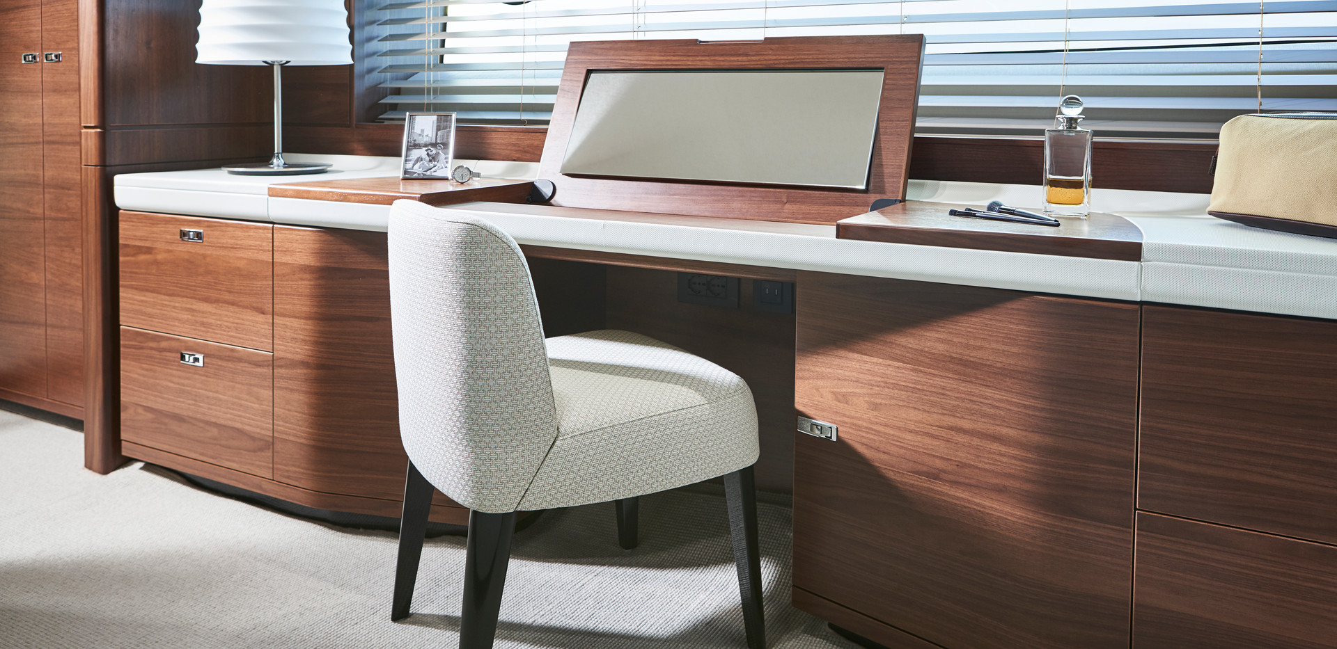 y78-interior-owners-dressing-table-open-