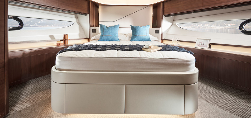 s78-interior-forward-cabin.jpg