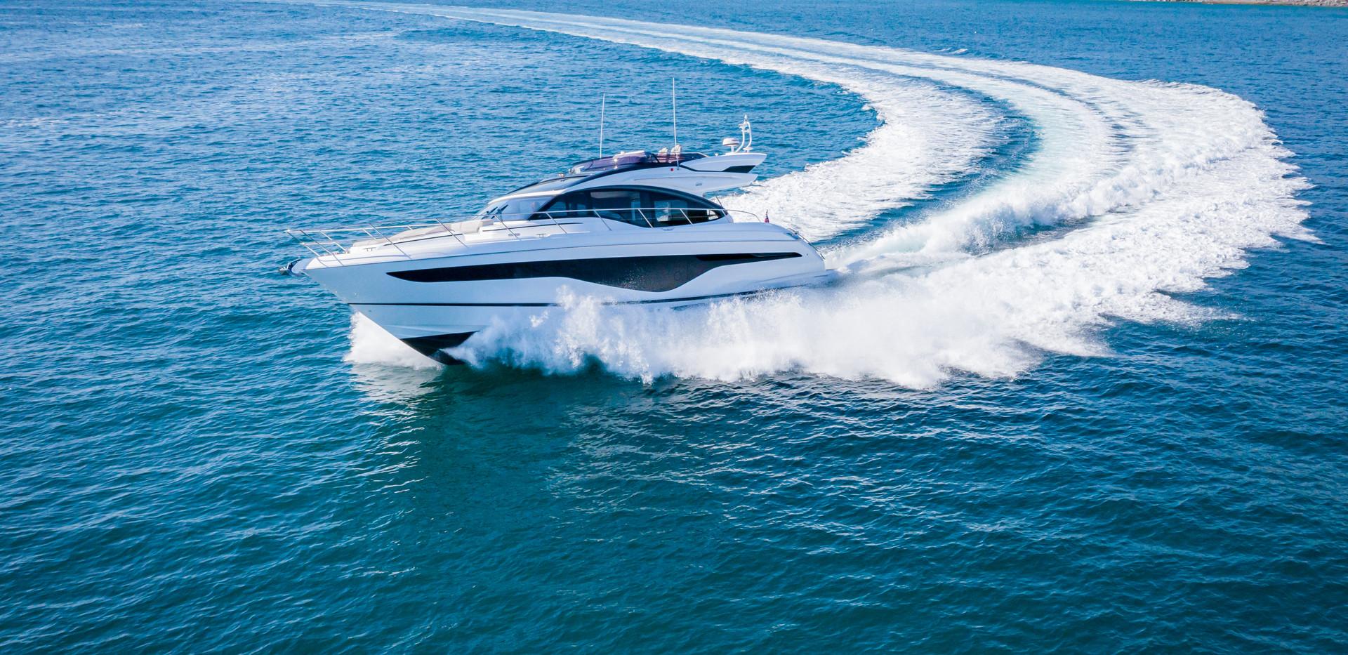 s62-exterior-white-hull-4.jpg