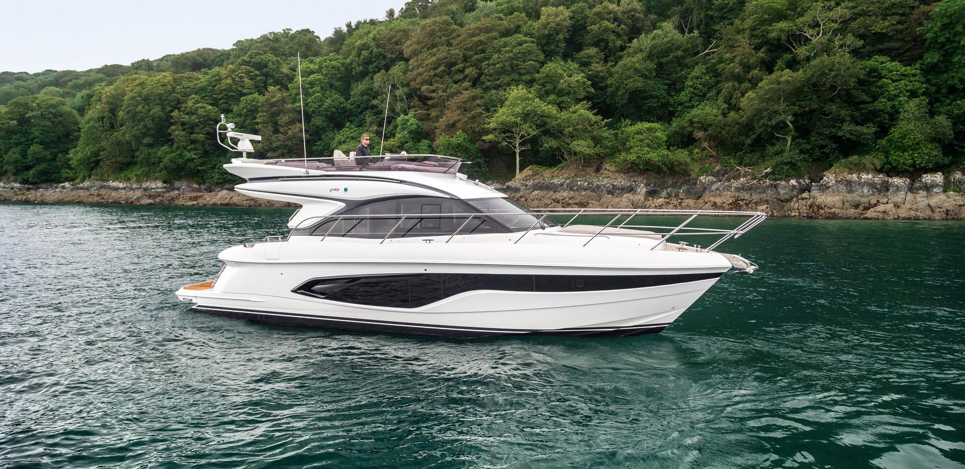 f45-exterior-white-hull-13.jpg