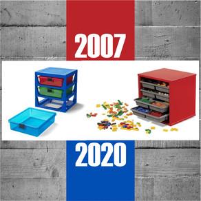 LEGO® 5006179 Regalsystem in transparentem Blau vs. Storage Tray Unit aus 2007 (Holz)