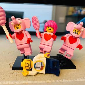 Mit Liebe gemacht - die neuen Minifigurenteile in den LEGO Brand Stores sind da!