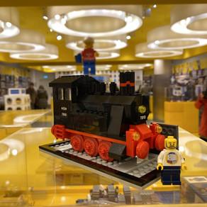 LEGO  40370 Jubiläums-Lok (7810) und Dots Bilderrahmen im LEGO Store