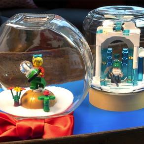 Baue ein selbstgemachtes LEGO® Geschenk - Schneekugel