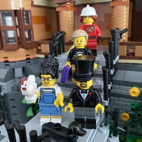 Neue LEGO Minifiguren im LEGO Store Köln . . . neuer Dackel und neuer Torso