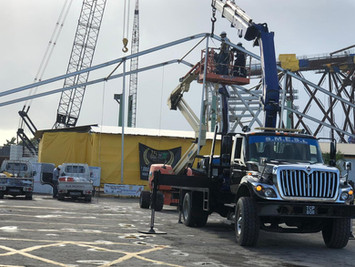 SM team along with our Hiab and lift ere