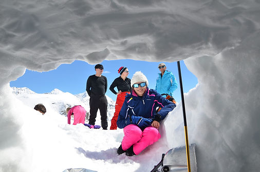 igloo-challenge-in-the-Alps-with-Undisco