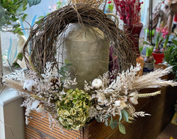 How gorgeous is this natural dried wreath?!