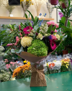 Lovely BIG bouquets out for delivery!