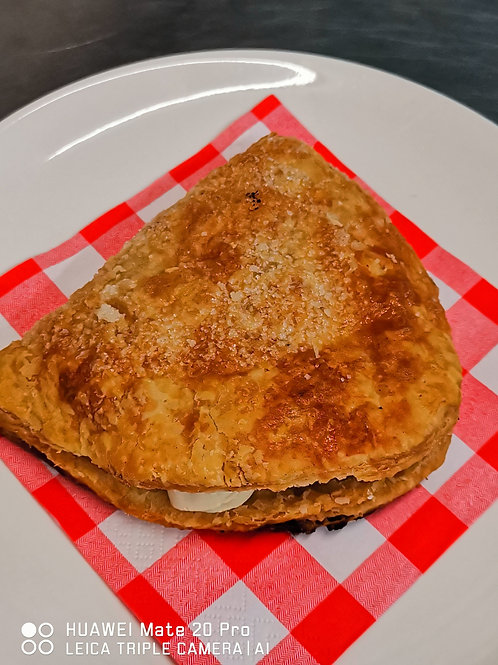 Apple and cream turnover