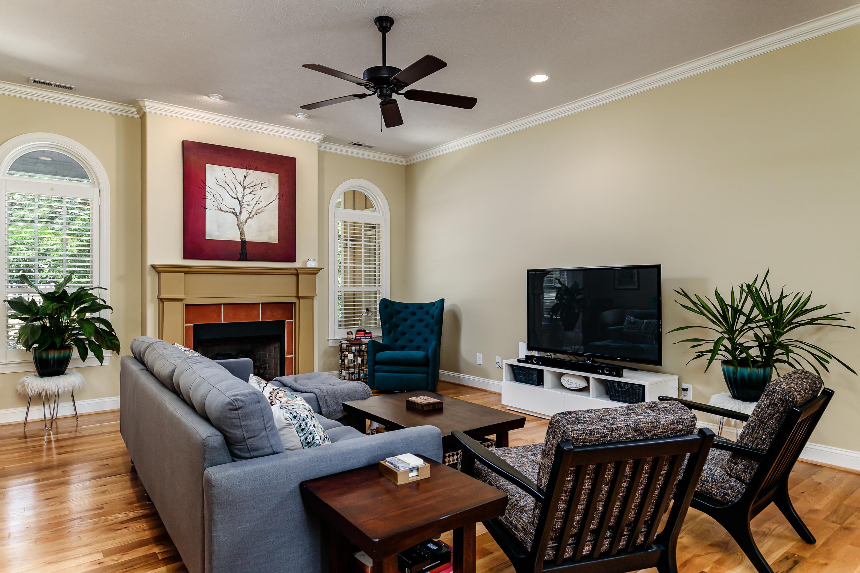 9 Shamrock Living Room