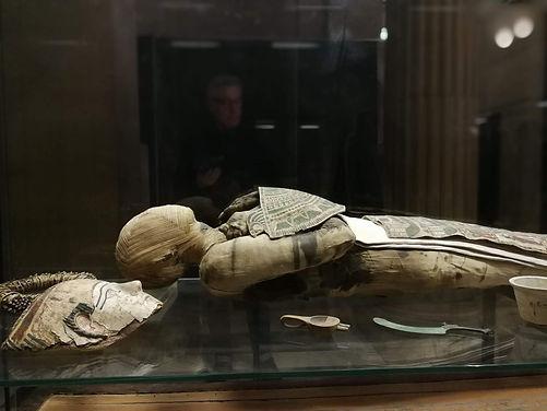 Egyptian mummy Muée du Louvre