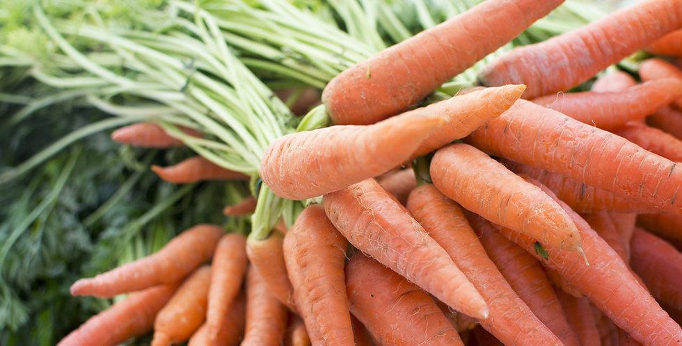 Organic Carrots w/tops