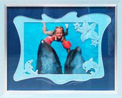 Оформление фотографии_Девочка с дельфинами