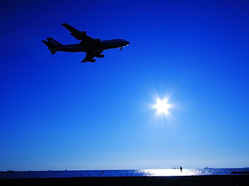 飛行機と海.jpg