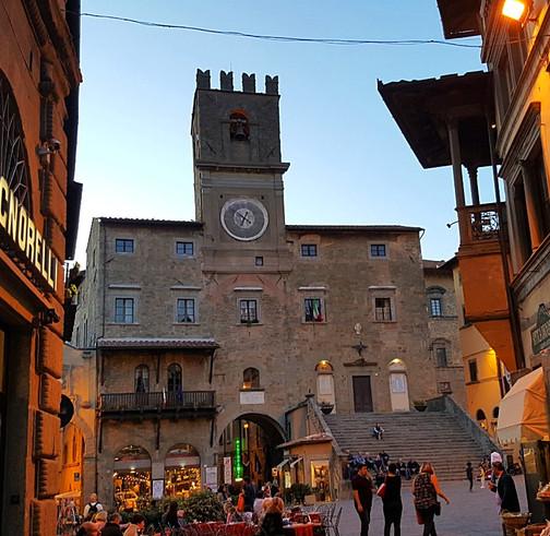 По Тосканским холмамТуры по Тоскане.jpg