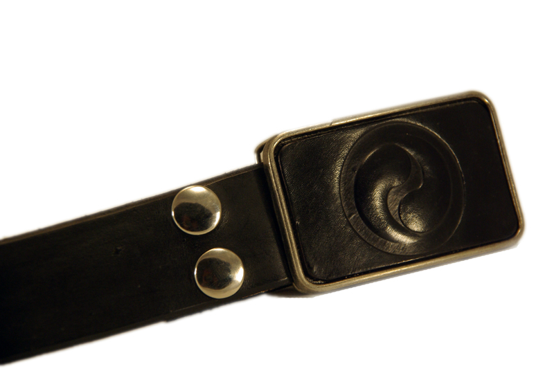 yin yang buckle w/black snap belt