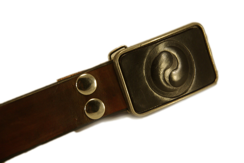 yin yang buckle w/brown snap belt