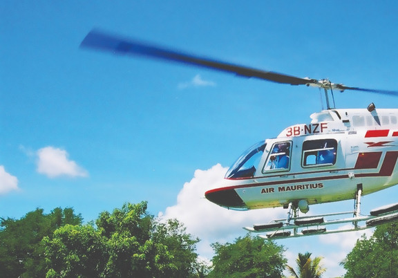 TOUR D'HELICOPTERE