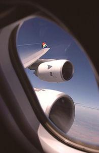 STOHLER TOURS_STOHL-AIR_VOYAGES_VOLS_AVIONS_SOUTH AFRICA AIRWAYS_BROKER_AIRBUS_VUE_FENETRE_HUBLOT.jpg