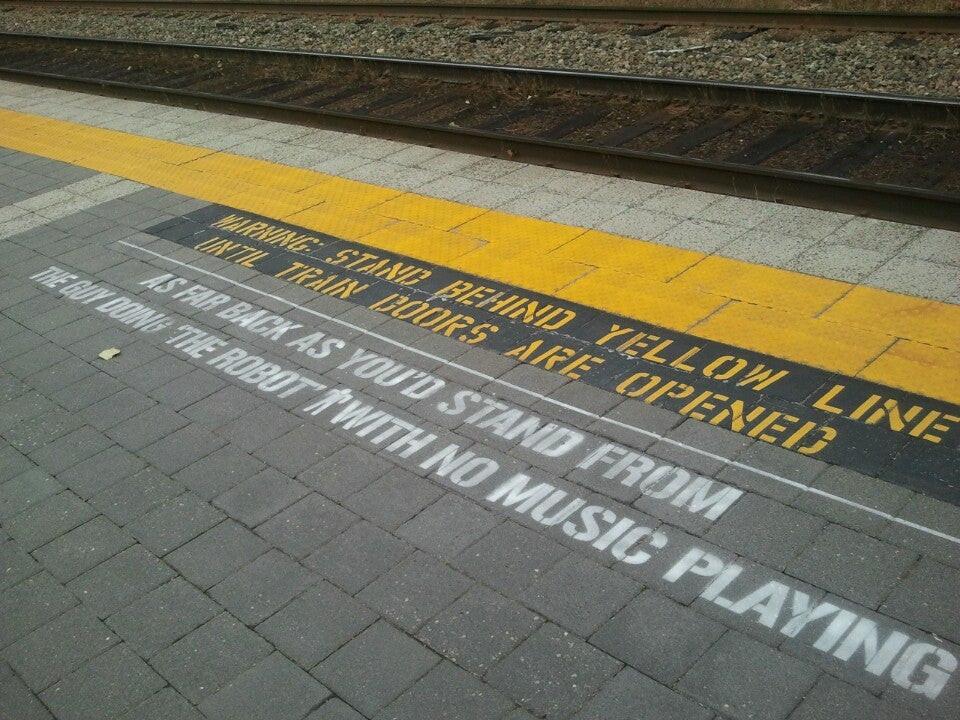 Yellow_Line_1.jpg