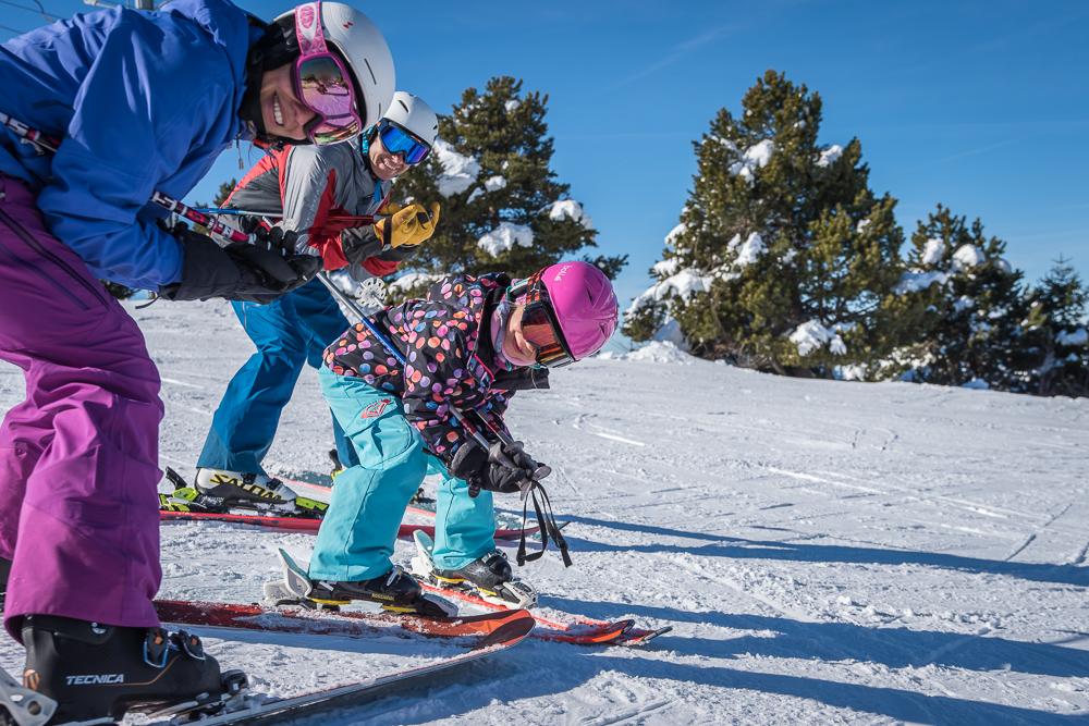 famille skieurs