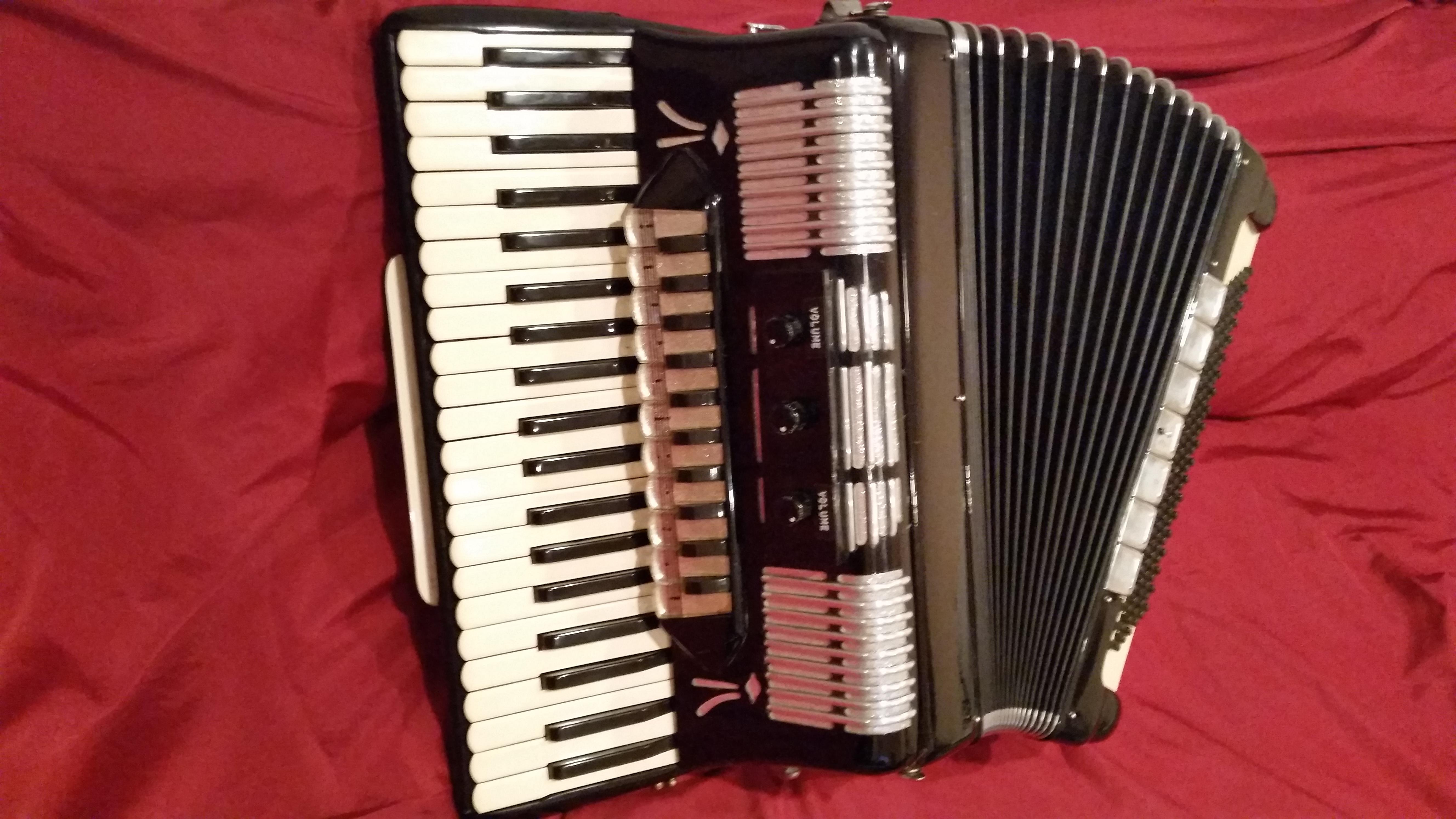 Matusek King model. Professional grade accordion..jpg