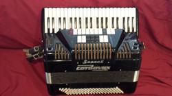 Cordovox Super V semi professional accordion.jpg