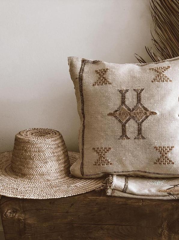 Turquesa cactus silk pillow